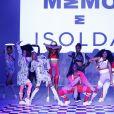 A marca Memo fez parceria com a Isolda na passarela do SPFW