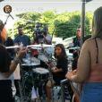 Marcelo, filho de Ivete Sangalo, toca bateria no trio de sua mãe