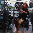 Ivete Sangalo voltou aos trios neste domingo, 29 de abril de 2018, mas foi o primogênito Marcelo quem roubou a cena tocando bateria