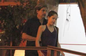 Edson Celulari vai buscar a filha, Sophia, no balé no Rio de Janeiro