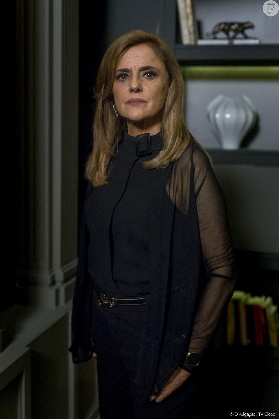Sophia (Marieta Severo) morre ao cair de penhasco atormentada por espíritos no último capítulo da novela 'O Outro Lado do Paraíso'