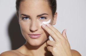 Maquiagem com protetor solar funciona? Karla Assed explica: 'Diminui a proteção'
