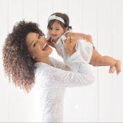 Juliana Alves faz ensaio com filha para comemorar aniversário: 'Presente'. Fotos