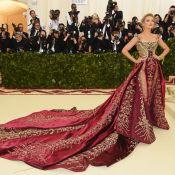 Blake Lively e sua cauda Versace: atriz fretou ônibus para ir ao MET Gala 2018
