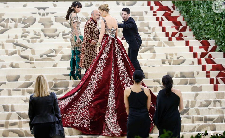A cauda do vestido de Blake Lively chamou atenção no Met Gala 2018