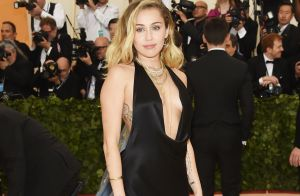 Miley Cyrus aposta em vestido com duplo decote no Met Gala 2018. Fotos!