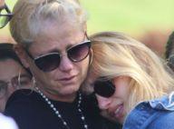 Xuxa Meneghel e a filha, Sasha, se despedem de dona Alda em velório no Rio