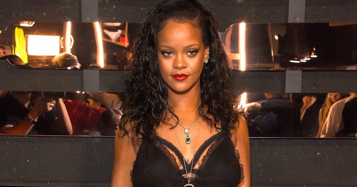 362bd3f641 Rihanna lança coleção sexy de lingerie Savage x Fenty. Fotos das peças! -  Purepeople