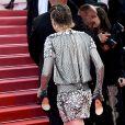 Kristen Stewart não hesitou ao subir as escadas do Palácio dos Festivais sem salto
