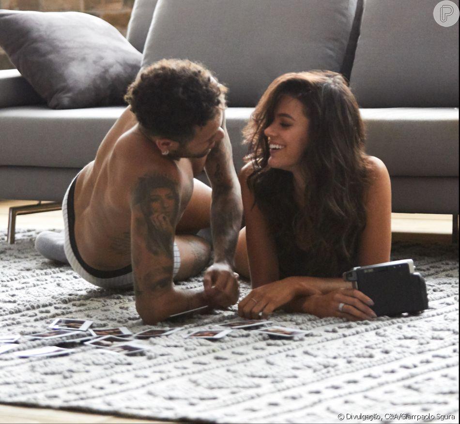 Bruna Marquezine e Neymar, em clima de intimidade, se beijam em campanha de Dia dos Namorados da C&A divulgada nesta segunda-feira, dia 14 de maio de 2018