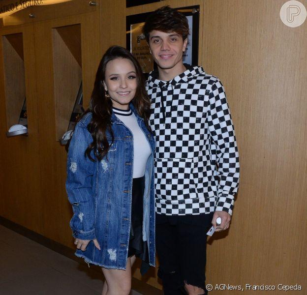 Larissa Manoela e o namorado, Leonardo Cidade, conferem pré-estreia de filme na noite desta terça-feira, 15 de maio de 2018