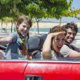 Poliana (Sophia Valverde) para em uma praia junto dos pais e, enquanto a menina se diverte, Alice (Kiara Sasso) pensa em como será deixar a filha tão pequena, no capítulo que vai ao ar nesta quarta-feira, dia 16 de maio de 2018, na novela 'As Aventuras de Poliana'