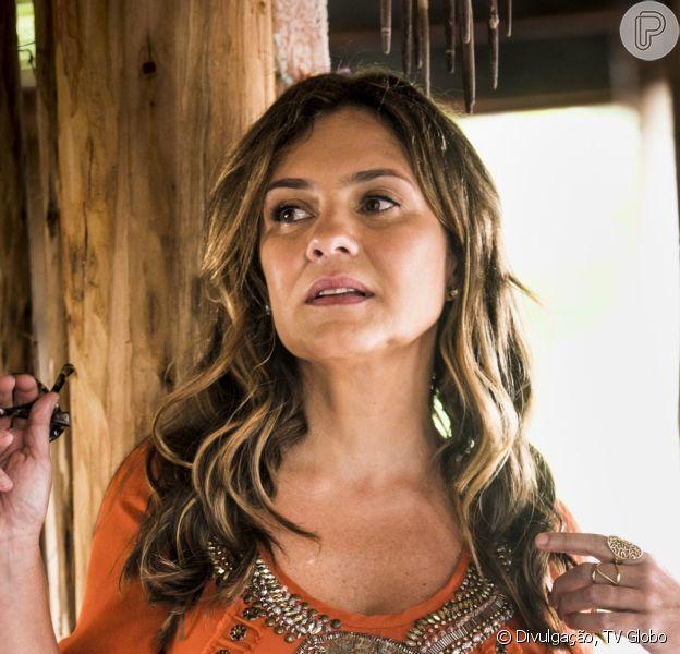 Laureta (Adriana Esteves) denuncia Luzia (Giovanna Antonelli) pela morte do marido da marisqueira nos próximos capítulos da novela 'Segundo Sol': 'Empurrou com vontade, com raiva, lá de cima do mirante. Sabia o que estava fazendo. E depois fugiu! Fugiu! Como uma assassina!'