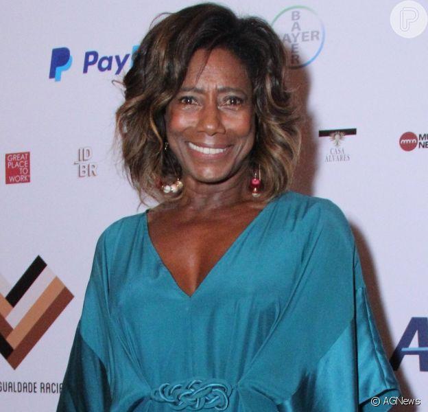Gloria Maria participou do III Jantar Sim À Igualdade Racial, no hotel Copacabana Palace, no Rio, nesta quinta-feira, 17 de maio de 2018