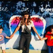 Juliana Paes revê filhos após viagem: 'Encontrar os moleques é bom demais'. Foto