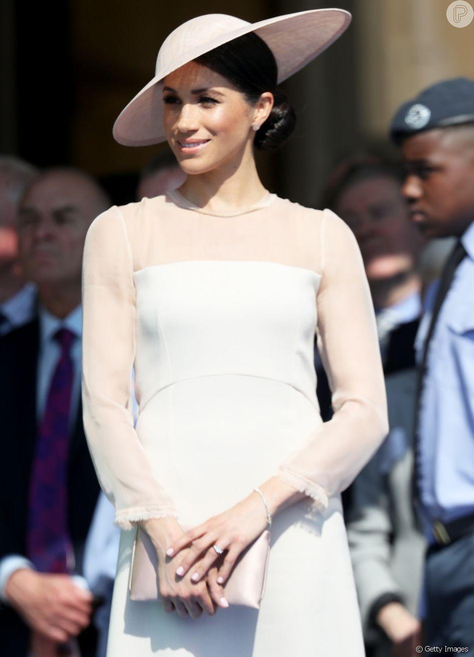 Minimalista! Meghan Markle, duquesa de Sussex, apostou em look clean durante primeira aparição pública após casamento com Harry