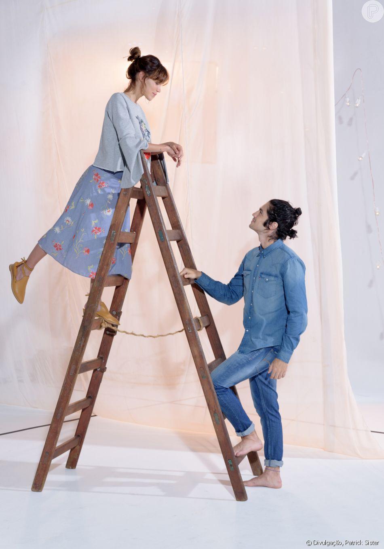 Gabriel Leone e Carla Salle estrelam a campanha de Dia dos Namorados de uma marca de roupas