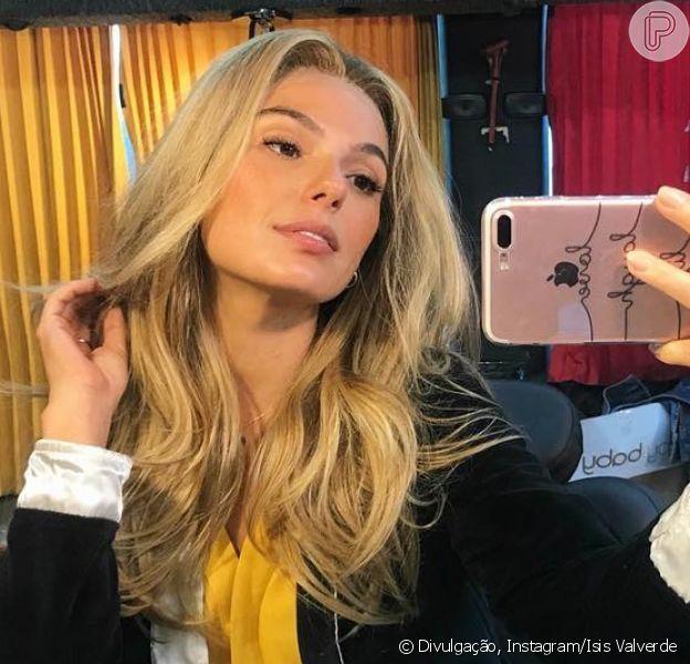 Isis Valverde surpreende com cabelo loiro em foto nesta sexta-feira, dia 25 de maio de 2018