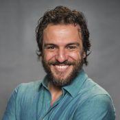 Rodrigo Lombardi mostra foto com ex-BBB Kaysar em bastidor de série: 'Confinado'