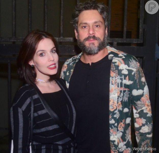 Alexandre Nero e a mulher, Karen Brusttolin, à espera do segundo filho do casal, assistiram ao show de Milton Nascimento no Vivo Rio, na zona sul do Rio de Janeiro, neste sábado, 26 de maio de 2018