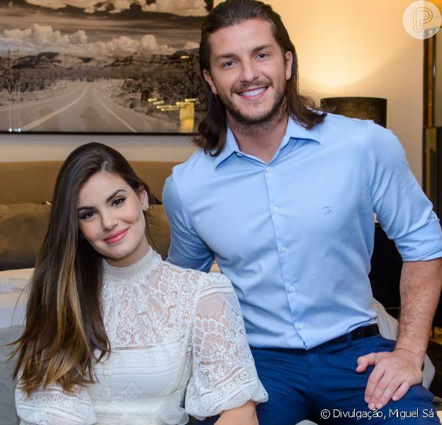 Klebber Toledo e Camila Queiroz dispensaram a lua de mel por conta da agenda de trabalhos