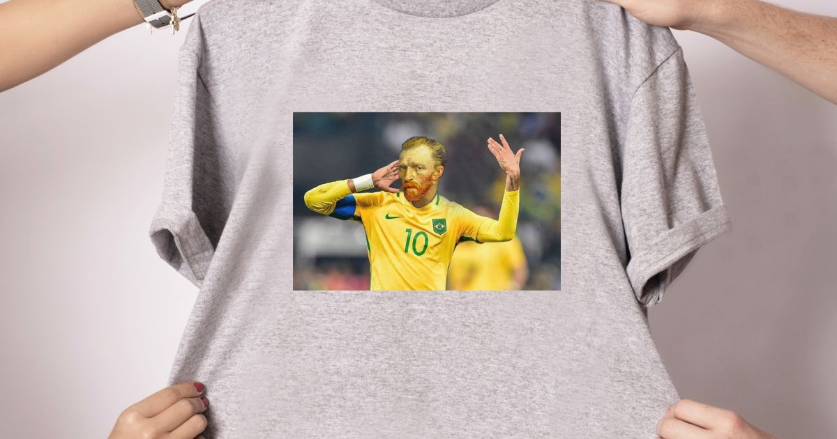 75881cc446 Camisetas criativas e divertidas são a marca registrada da Coletivo Lírico.  Para os jogos da seleção