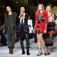 Natalia Vodianova brilhou na passarela da Balmain na semana de moda de Paris em 2017