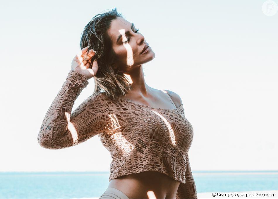 eb86d7d6d Bege é sexy  Cleo Pires posa com lingerie nude e quebra preconceitos ...