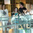 Ana Furtado passeou com o marido, o diretor Boninho, e a filha do casal, Isabella, de 11 anos