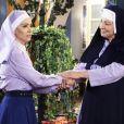 Madre Superiora (Eliana Gutmann) diz que Silvana ( Silvia Franceschi ) precisou viajar o mundo para descobrir que tem vocação para a vida religiosa na novela 'Carinha de Anjo'