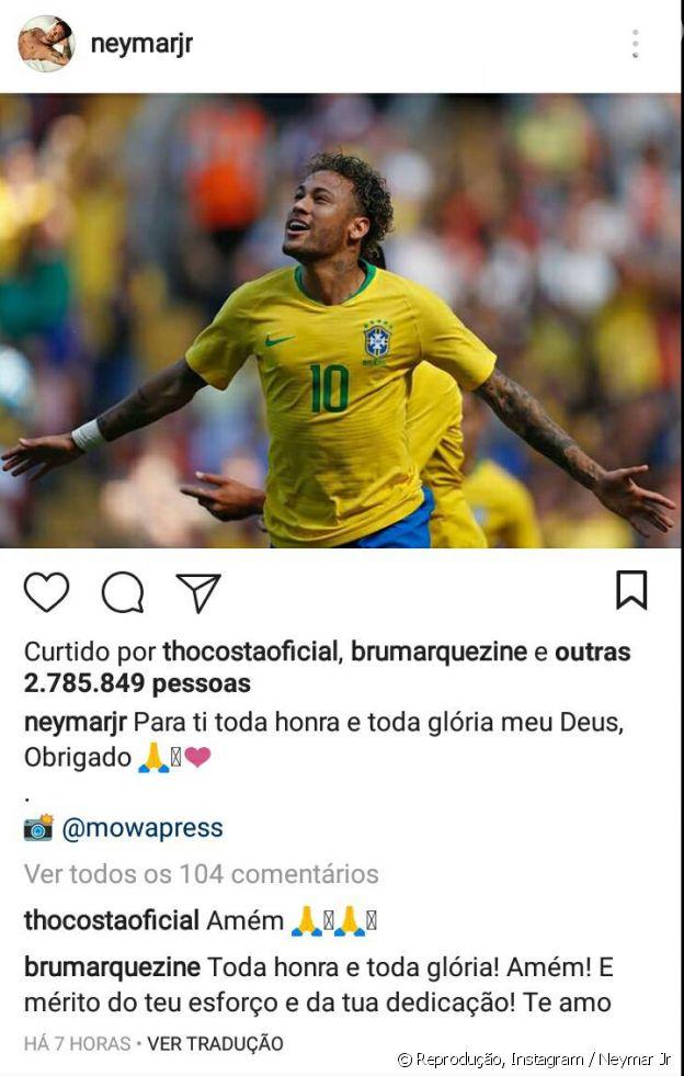 Bruna Marquezine declara-se a Neymar em foto de jogo