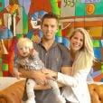 Karina Bacchi e o empresário Amaury Nunes ficaram noivos em maio deste ano