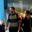 Fernanda Vanconcellos viaja com o  namorado, Cássio Reis