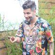 Bruno Gagliasso apostou em blusa estampada para aniversário da filha, Títi