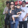 Fernanda Rodrigues e Bento, de 2 anos, foram ao aniversário de Títi, filha de Giovanna Ewbank e Bruno Gagliasso