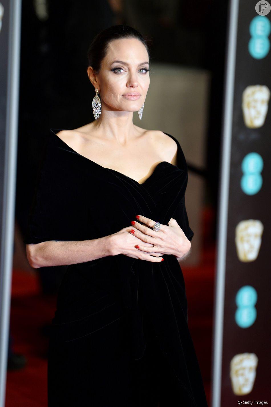 Angelina Jolie teme perder a guarda dos filhos com Brad Pitt