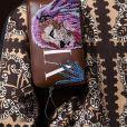 Valentino: outro item em alta também para eles é a pochete, que aqui ganha status de luxo por causa do bordado
