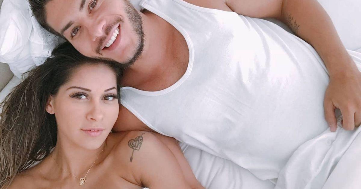 Entenda por que Mayra Cardi não gosta que toquem em sua barriga na gravidez  - Purepeople 1089ea0c40
