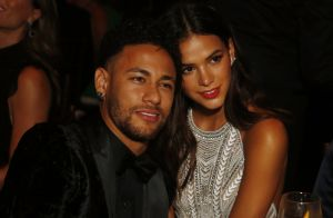 Neymar posa com o filho, Davi Lucca, sem camisa e Marquezine elogia: 'Lindos'