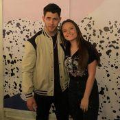 Larissa Manoela curte festival com o namorado e tieta Nick Jonas: 'Uma gracinha'