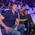 Acompanhada do noivo, Adriano Ricco, Eliana levou o filho  para assistir 'Dinos Expercience'