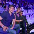 Eliana e o noivo, Adriano Ricco, levaram o pequeno Arthur  para assistir 'Dinos Expercience'