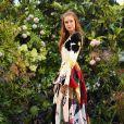Floral e moderna! Marina Ruy Barbosa combinou tendências em sua produção nesta quarta (04)