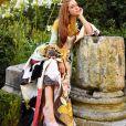 Marina Ruy Barbosa escolheu um scarpin rosa nude para completar o look