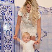 Filho de Karina Bacchi, Enrico, de 11 meses, é batizado: 'Anjo dourado'. Fotos!