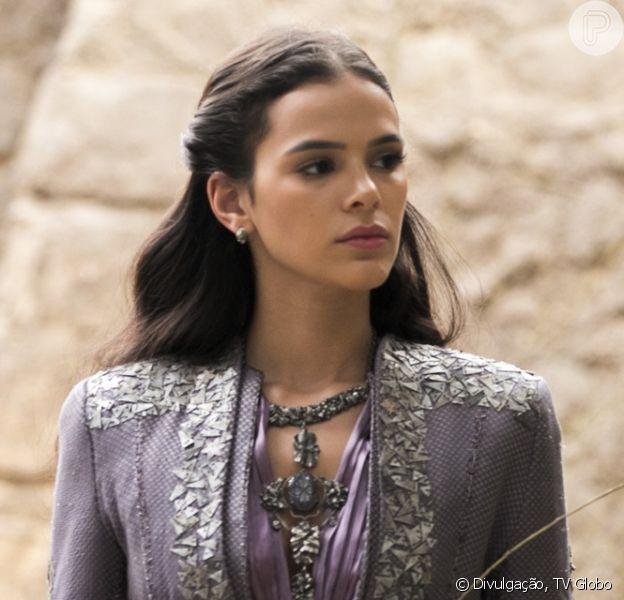 Catarina (Bruna Marquezine) vai ordenar à mãe, Brice (Bia Arantes), que mate Afonso (Romulo Estrela) nos próximos capítulos da novela 'Deus Salve o Rei'