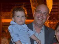 Filho de Alex Escobar corre para o abraço do pai ao revê-lo após 40 dias. Vídeo!