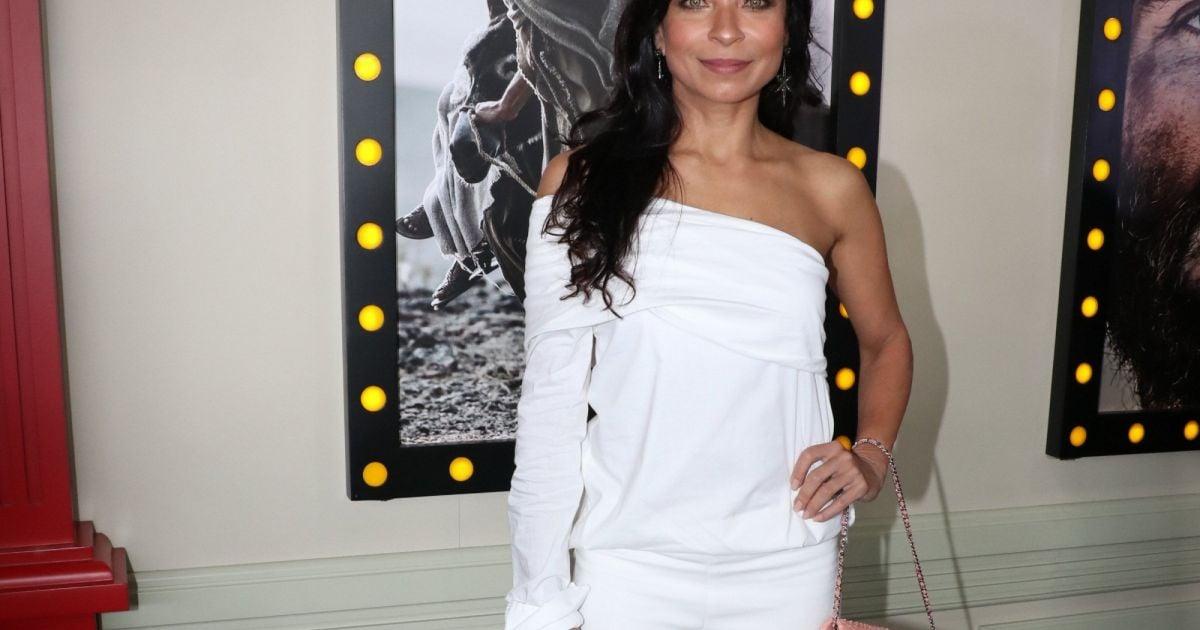 7f204d97c8 Atriz Anna Lima usa look Chanel para prestigiar coletiva da novela  Jesus
