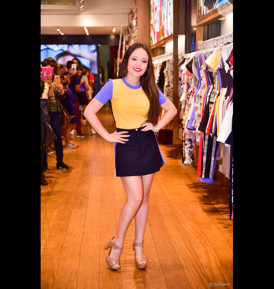 456e54cea Larissa Manoela participa de lançamento de coleção da marca Miss & Misses,  no Bom Retiro, em São Paulo, na terça-feira, 17 de julho de 2018