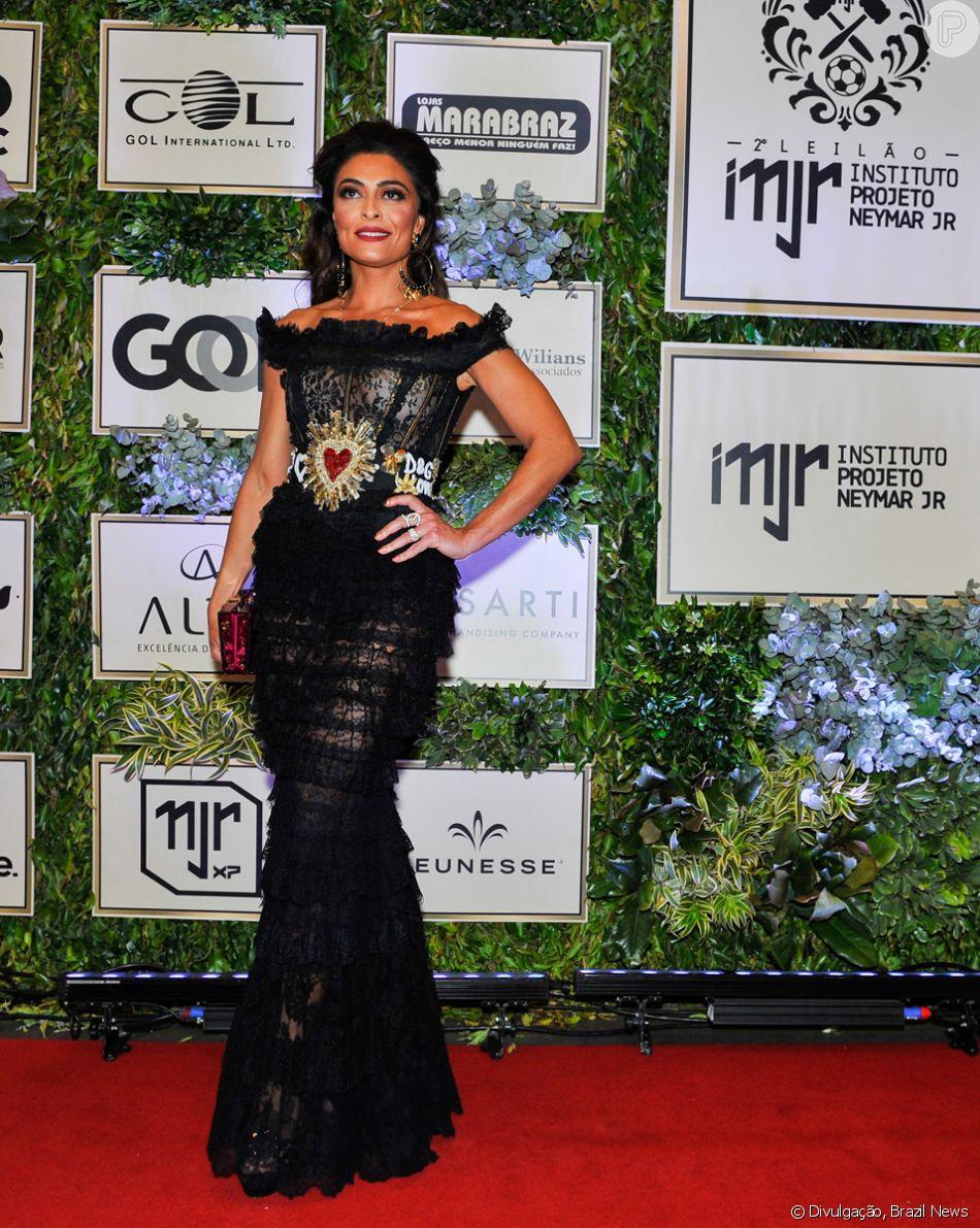 d90d9099cc Juliana Paes com vestido Dolce   Gabbana no leilão do Instituto Neymar Jr.  nesta quinta-feira